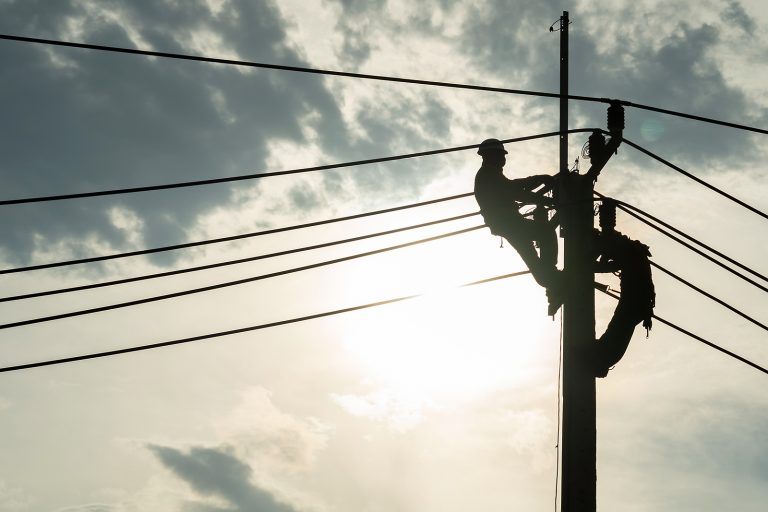 workers repairing cables